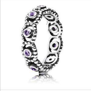 Pandora her majesty ring in purple